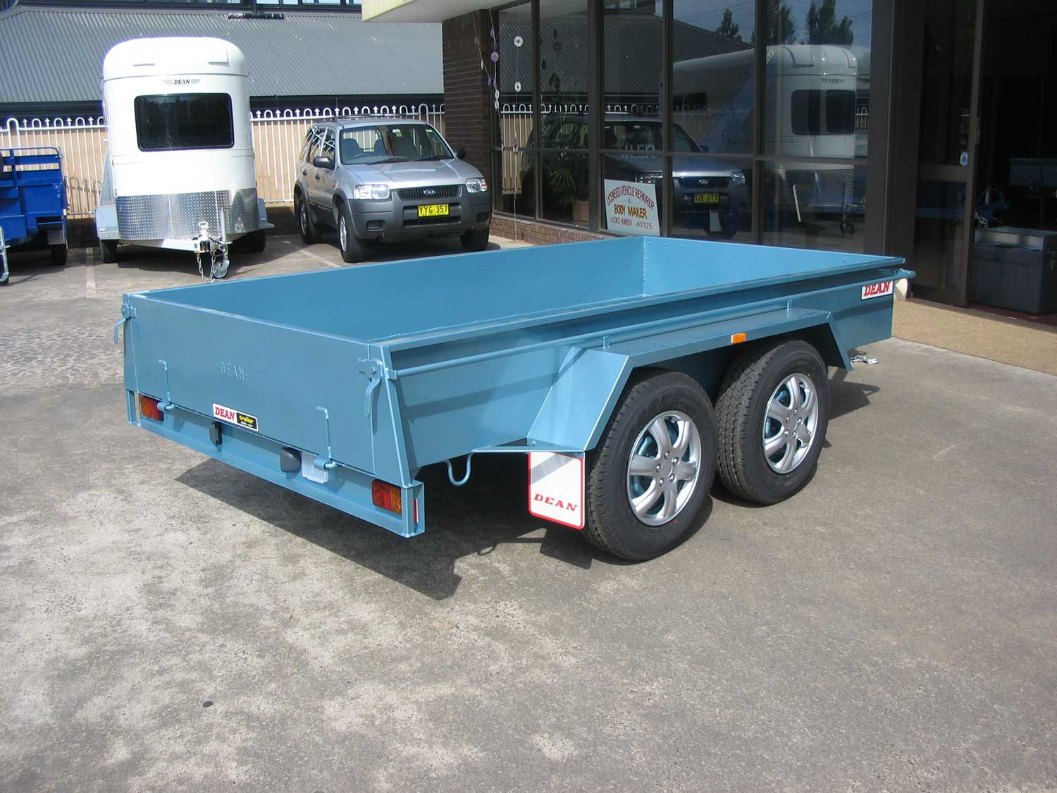 No.10 Tandem Axle Box Trailer